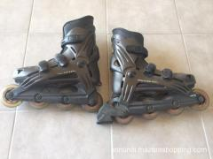 Pattini marca rollerblade misura 40, usa 7,5 perfetti, completi di protezioni