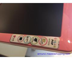Monitor HD colore rosa