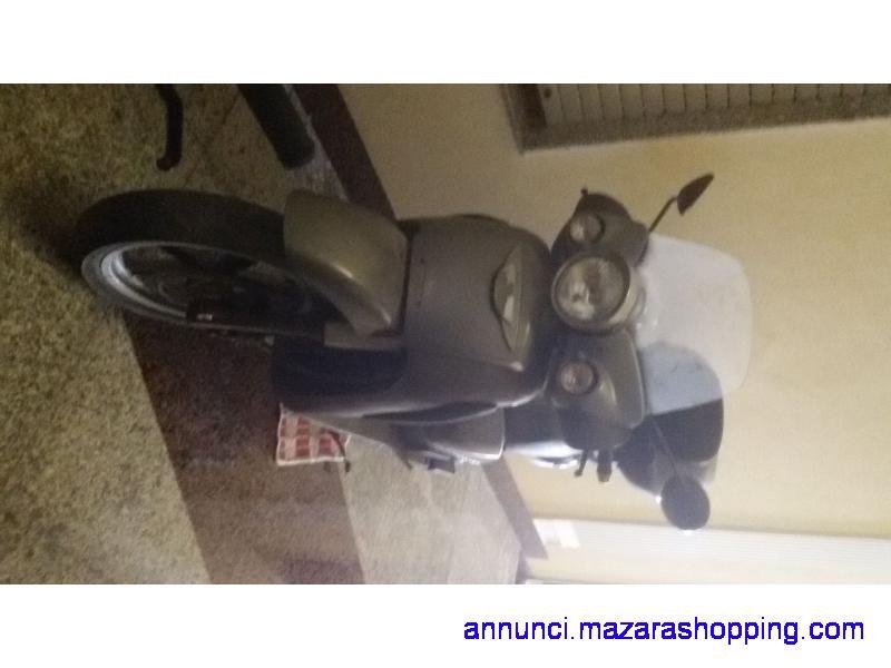 Scarabeo 250cc 17000km